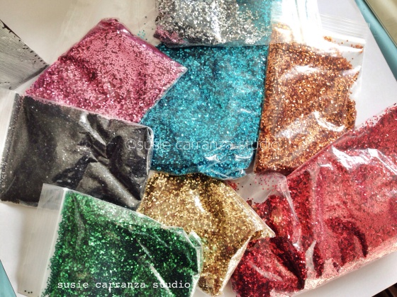 this glitter from Mexico is GORGEOUS! larger, round, and reflects so much light...I love it!